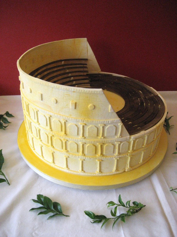 Colosseum 15″ – French Wedding Cakes