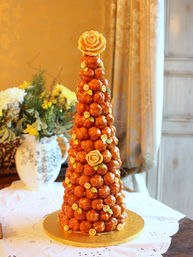 Croquembouche Of 140 Profiteroles