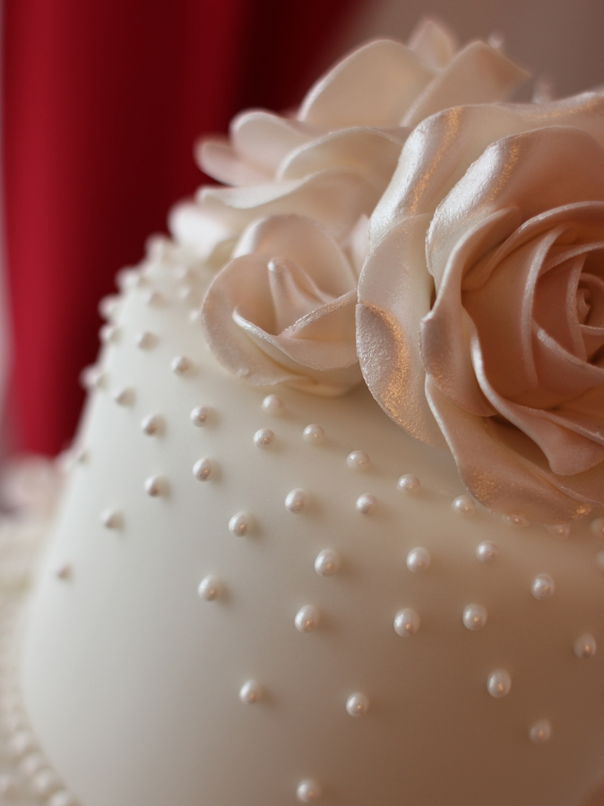 Dusky Pink Roses And Shiny Pearl Drops