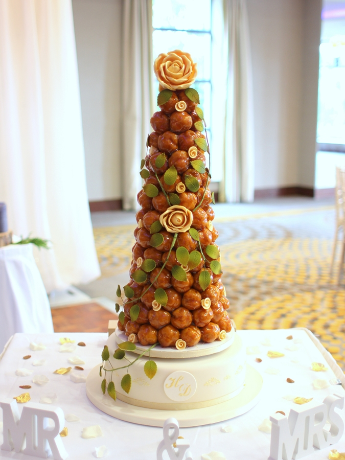 French Wedding Cake.Gold And Greenery